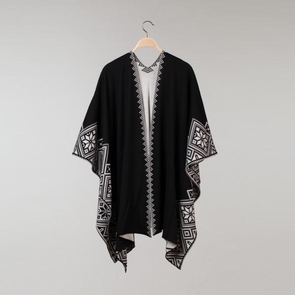 Nordstar Pure Merino Wool Black / White Poncho