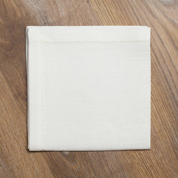 Pilutatud linane salvrätik valge