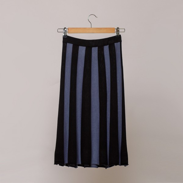 Andrea two color wool knit skirt blue-black