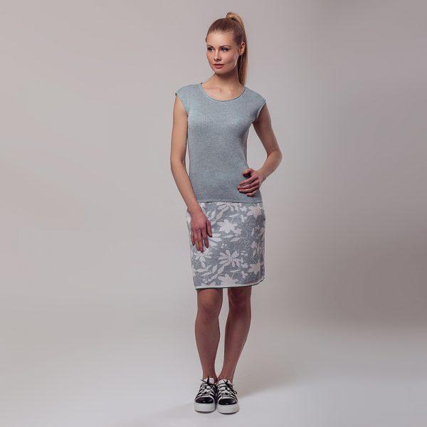 Merta sleevless light blue knit top