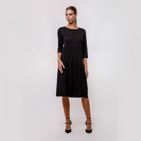 Zelma A-line silhouette knitted dress with pleated skirt