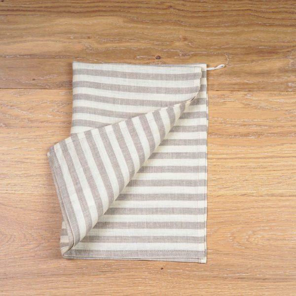 Льняное полотенце с принтом в бежевую полоску