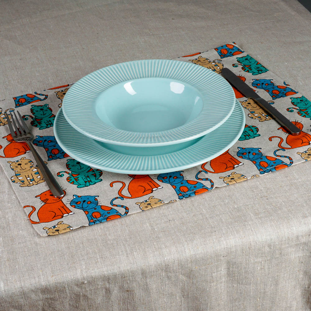 Bright cats print linen placemat