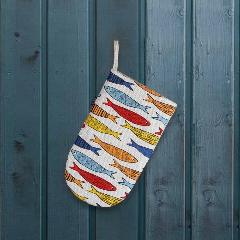 Fish print linen oven mitten