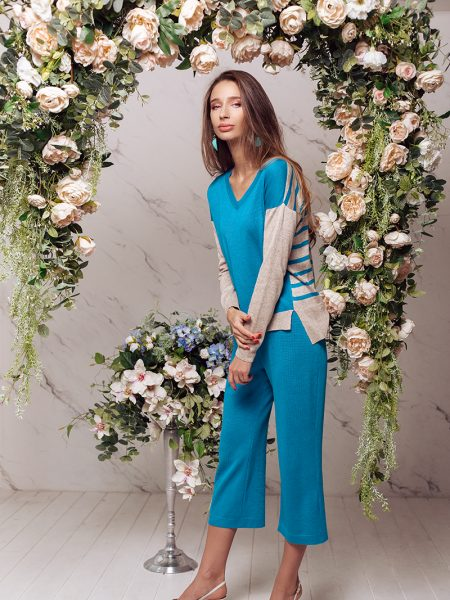 Pullover PL297 and pants TR068