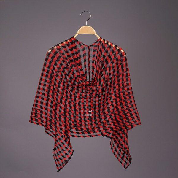 Nensi Square light Pure Linen Poncho black red