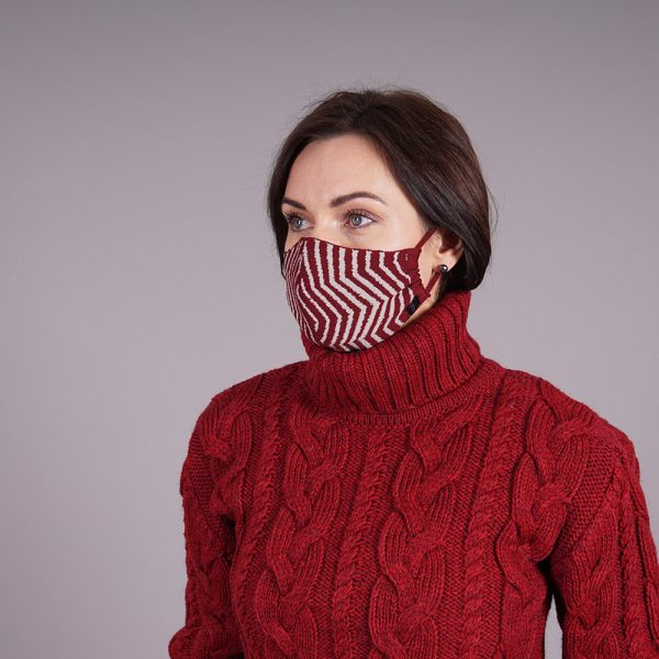 Burgungy striped knitted reusable mask